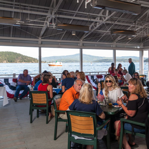 Outdoor seating, outside lunch, eat outside, eat on the lake